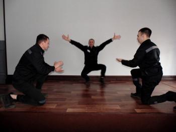 Вы должны увидеть этот танец! Бывший спецназовец из Нижнего Тагила стал звездой исправительной колонии (ВИДЕО)