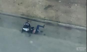 В Нижнем Тагиле инспекторы ДПС жёстко задержали пьяного мотоциклиста (ВИДЕО)