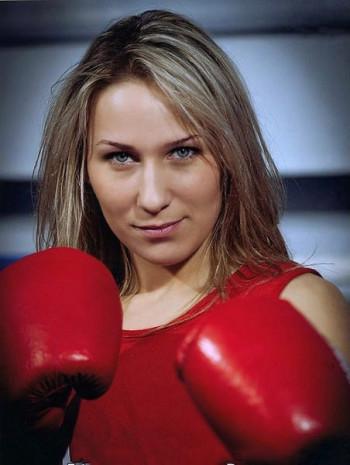 Прославленная боксёрша из Нижнего Тагила Ирина Потеева примет участие в праймериз «Единой России»
