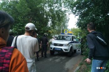 В Екатеринбурге девочка, раненная экс-полицейским, пришла в сознание