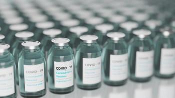 Очереди за прививкой растут, запасы истощаются. Жители Нижнего Тагила жалуются на нехватку вакцин от коронавируса