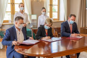 В Нижнем Тагиле подписано соглашение о «медицинских классах», в которых будут готовить будущих врачей