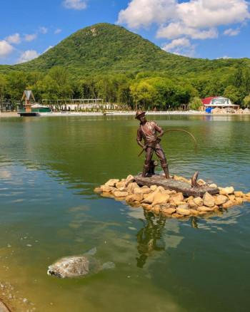 Туристы из Нижнего Тагила сняли на фото гигантскую черепаху