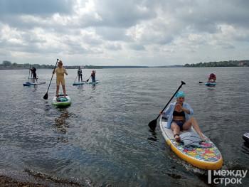 В Нижнем Тагиле впервые прошёл благотворительный заплыв на сап-досках