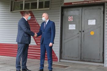 «Уралвагонзавод» передал больнице Нижнего Тагила реанимационное оборудование