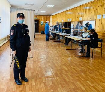 Более 13 тысяч полицейских следили за порядком на выборах в Свердловской области