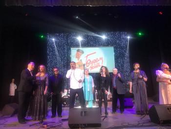 120 тысяч рублей собрали на лечение известного тагильского барда Владислава Шадрина гости и участникиконцерта «Будем жить!»
