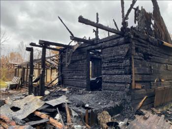 В Нижнем Тагиле неизвестные сожгли садовый дом