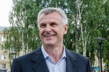 Экс-мэр Нижнего Тагила Сергей Носов впервые попал в медиарейтинг губернаторов, а Куйвашев выбился в лидеры