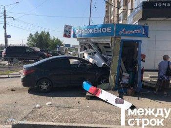 В Нижнем Тагиле пьяная автоледи влетела в киоск с мороженым