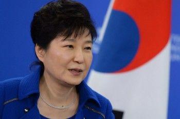 Экс-президент Южной Кореи Пак Кын Хе получила ещё 8 лет заключения за взятки