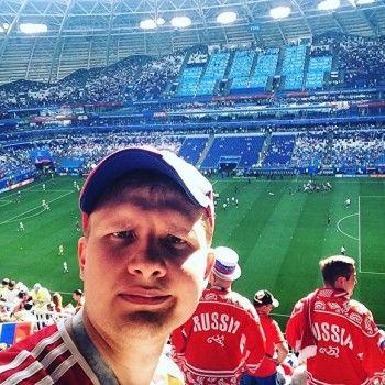 Проигравший футбольное пари свердловский журналист напоит друзей на 150 тысяч в баре, который свердловский бизнесмен мог проиграть Черчесову