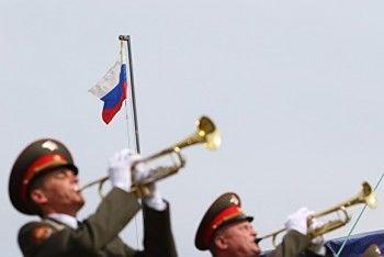 Администрация Екатеринбурга потратит почти миллион рублей на церемонию поднятия флага в День города