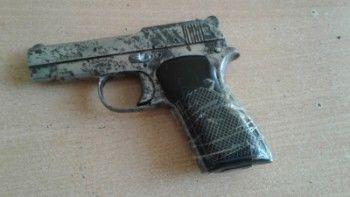 Полиция обнаружила дома у жителя Нижнего Тагила склад наркотиков и оружия