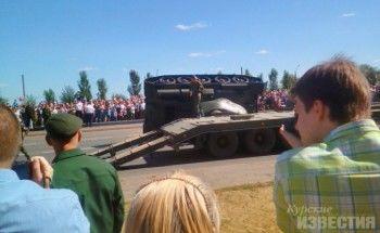 В Курске Т-34 перевернулся после военного парада (ВИДЕО)