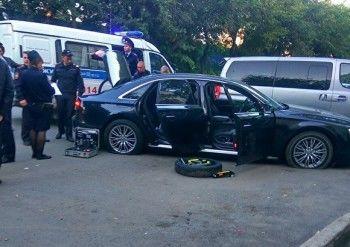 Вцентре Екатеринбурга неизвестные обстреляли Audi изавтомата