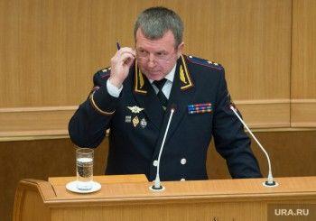 «Если выкрикивали лозунги — их будут судить». Генерал Бородин пообещал разобраться с задержаниями журналистов в Екатеринбурге