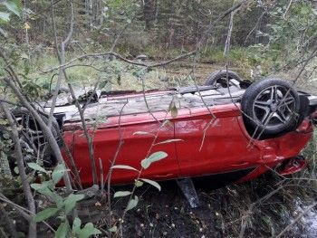 На трассе Нижний Тагил — Екатеринбург Mercedes врезался в Land Cruiser (ВИДЕО)