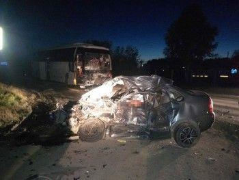 В аварии под Екатеринбургом погибли два человека