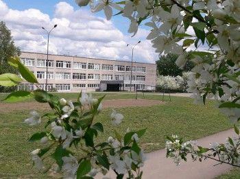 Школе № 55 грозит 70-тысячный штраф за срыв учебного процесса. Из-за «подмахнувших» документ чиновников дети ещё полтора месяца будут учиться в соседнем здании