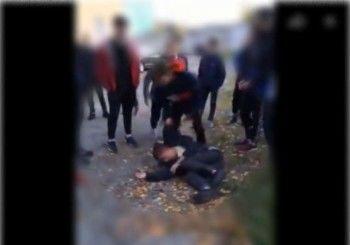 В Нижней Туре подростки на школьном дворе жестоко избили сверстника
