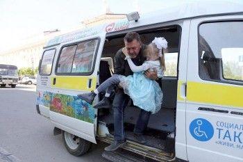 Обратная сторона госзакупок: дети-инвалиды Нижнего Тагила вынуждены ездить в Екатеринбург для примерок и покупок ортопедических спецаппаратов
