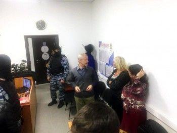 В Нижнем Тагиле ФСБ и ОМОН провели обыски в офисе «граждан СССР»
