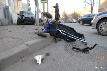 Ребёнку, пострадавшему накануне в аварии в Екатеринбурге, удалили часть мозга