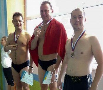 Мэр Нижнего Тагила Владислав Пинаев стал лучшим пловцом Горнозаводского управленческого округа среди чиновников