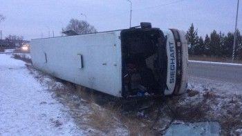 Под Екатеринбургом перевернулся рейсовый автобус