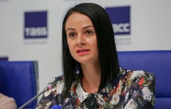 Скандальная чиновница Ольга Глацких вернулась вЕкатеринбург и сразу ушла на больничный