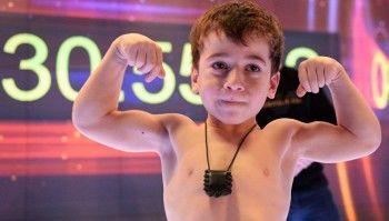 Пятилетнему Рахиму Куриеву из Чечни засчитали мировой рекорд по отжиманиям