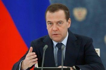 «Мозги надо включать». Медведев прокомментировал скандальное высказывание уральской чиновницы Ольги Глацких