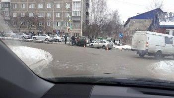 Машина мэра Первоуральска попала вДТП. Горадминистрация это опровергает