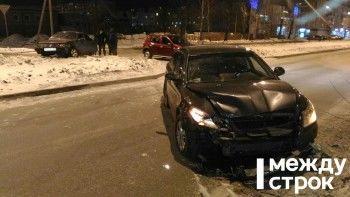 В Нижнем Тагиле пьяный водитель на ВАЗ-21099 протаранил Skoda Octavia (ВИДЕО)