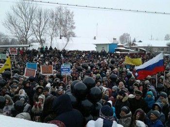 В Тамбовской области несколько тысяч жителей вышли намитинг против мусорного полигона (ВИДЕО)