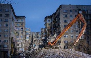 В Магнитогорске снесли стену дома, повреждённую при взрыве бытового газа