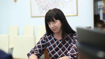 «Завышенные требования — это не есть хорошо». Алтайская чиновница раскритиковала желание молодых учителей иметь зарплату больше 9 тысяч рублей