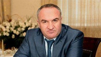 Суд арестовал отца сенатора Рауфа Арашукова