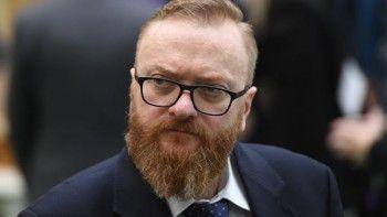 Милонов предложил отменить эвакуацию неправильно припаркованных зимой машин