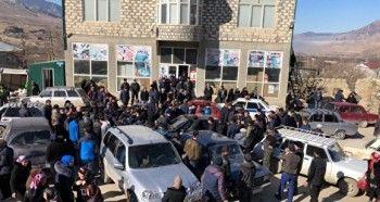 ВДагестане жители села избили полицейского, который входе автопогони ранил школьника
