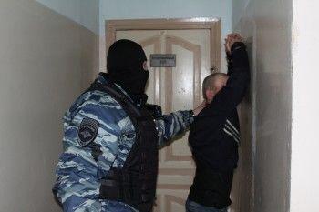 В Нижнем Тагиле ОМОН взял штурмом квартиру педофила, заявившего о взятии заложника