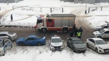ВНижнем Новгороде возле школы неизвестные открыли стрельбу попрохожим