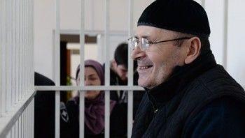 Прокурор попросил четыре года колонии для главы чеченского «Мемориала» Оюба Титиева