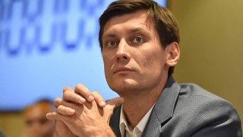 Дмитрий Гудков подал иск вВCстребованием отменить закон обоскорблении власти