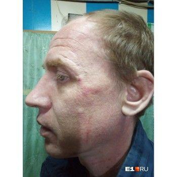 В Кольцово приставы избили водителя за то, что он подрезал их машину
