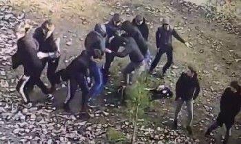 ВКазани 11 подростков жестоко избили сверстника (ВИДЕО)