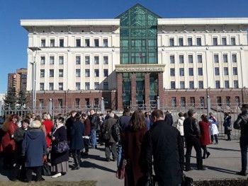 ВСанкт-Петербурге из-за сообщений обомбах эвакуированы 12 судов