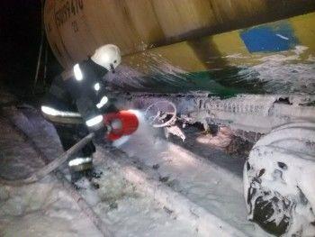 В Берёзовском сошла с рельсов цистерна с бензином (ФОТО)
