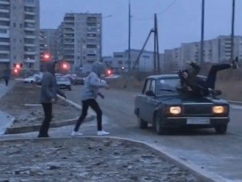 Блогера из Нижнего Тагила во время съёмки пранка сбила машина (ВИДЕО)